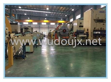 冲床送料机厂 专业生产整平机、滚轮送料机、开卷机