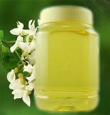 槐花蜂蜜,是蜜蜂采集槐花花蕊中的花蜜,经过蜜蜂自身充分酿造成的天然甜美物质,含有多种氨基酸、维生素、活性酶等多种营养成份。